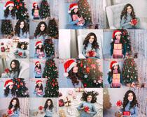 圣诞树欧美美女拍摄高清图片