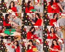 圣诞节开心情侣摄影高清图片