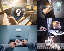 商务男人展示工作摄影高清图片