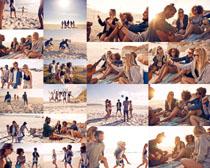 欧美青年沙滩活动摄影高清图片