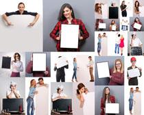 职业人物与广告牌摄影高清图片