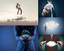 科技云与商务男士摄影高清图片