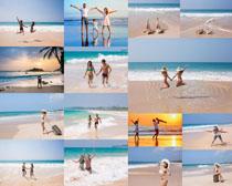 海边开心夫妻摄影高清图片