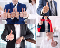 大拇指職業人士拍攝高清圖片