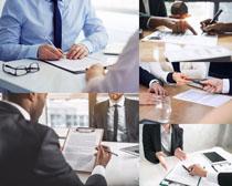商务合作签字人士摄影高清图片