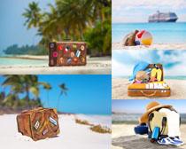 海邊旅行箱攝影高清圖片