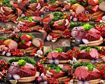香肠与肉块食材摄影高清图片