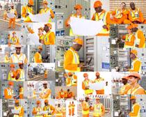 国外电力工作人员摄影高清图片