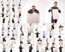 白色展示牌与男人摄影时时彩娱乐网站