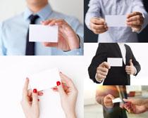 商務人士手中空白名片攝影高清圖片