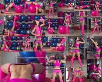 欧美美女健身与球摄影高清图片