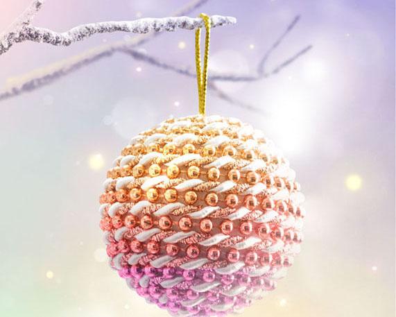 圣诞树枝装饰球PSD素材