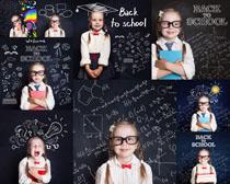 黑板与小女孩摄影高清图片