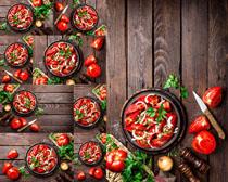 西红柿披萨展示摄影高清图片