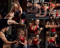 教练与美女健身摄影高清图片