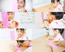 学习的小女孩摄影高清图片