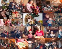 圣诞节国外一家人摄影bbin电子游戏娱乐城
