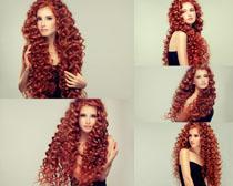 个性卷发女子写真拍摄高清图片