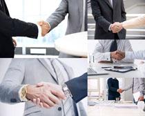 握手的商务男人摄影高清图片