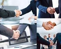 合作握手职业人士摄影高清图片