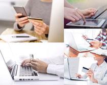 操作电脑的商务人士摄影时时彩娱乐网站
