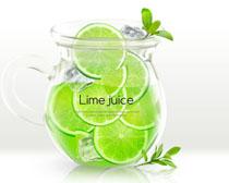 柠檬水果与杯子插画PSD素材