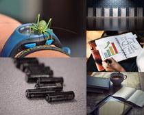 商務電池分析辦公攝影高清圖片