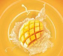 鮮榨芒果汁飲品海報PSD素材