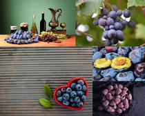 西梅與葡萄水果攝影高清圖片