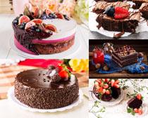 草莓核桃巧克力蛋糕摄影高清图片