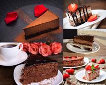 草莓慕斯蛋糕摄影高清图片