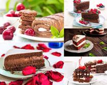 小樱桃蛋糕食物摄影高清图片