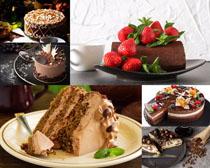 草莓巧克力生日蛋糕摄影高清图片