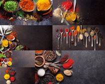 各种调料与勺子摄影高清图片