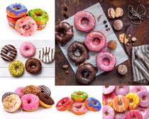 彩色甜甜圈攝影高清圖片