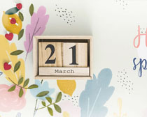 花朵繪畫木盒裝扮PSD素材