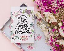 粉色漂亮本子與花卉PSD素材