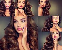卷发时尚口红美女摄影高清图片
