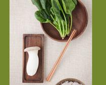 新鲜青菜蘑菇饭展示PSD素材