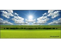 晴空下的草原高清图片