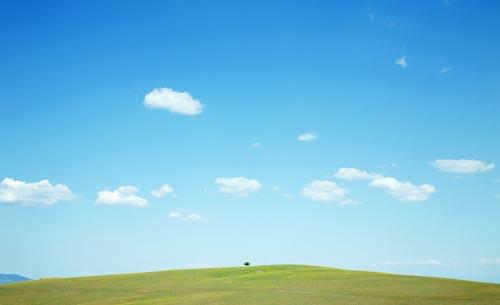 蓝天草地大海高清风景图片 - 爱图网设计图片素